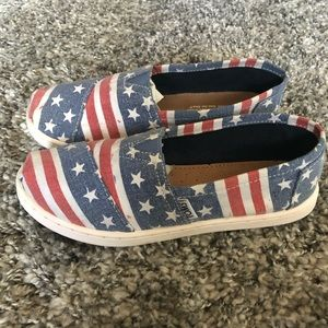 Toms youth American shoes